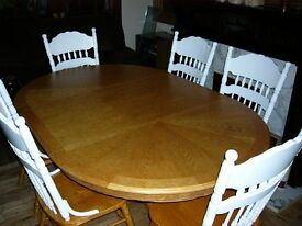 WHITE AND OAK TABLE 6 HIGH BACK CHAIRS
