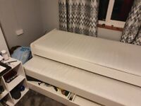 Bed with pull out bed