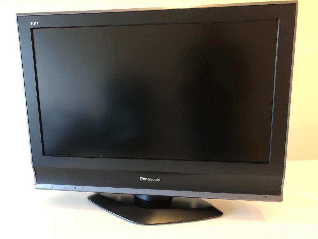 """Panasonic Viera Full HD 1080p 32"""" LCD TV"""