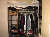 Free standing clothes unit