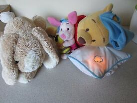 Child's cuddly, musical sleeping toy / light
