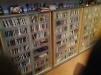 Very large collection of CDs over 1000 plus lots of singles