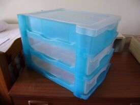 Craft storage, 2 drawers, section on top with a lid opening up, VGC