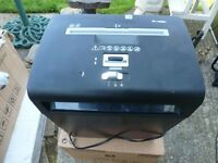 FELLOWES Model P - 48C PAPER SHREDDER in Good Working Order