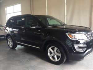 2017 Ford Explorer XLT Limited AWD, Sunroof, Leather, Push Butto