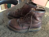 DR MARTENS BROWN NABUCK ONLY 28£!!!!!! SIZE 39