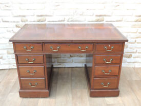 Antique Desk Solid wood comes in 3 parts (Delivery)