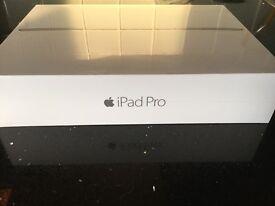 Apple iPad PRO 32GB 9.7 wifi BRAND NEW SEALED full 12 mths warranty ideal gift