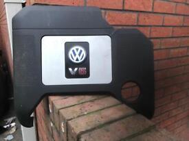 Volkswagen Golf 2.3 v5 engine cover