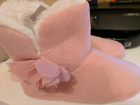 Pink ladies UGG-style slipper boots size Medium 5-6 NEW WITH TAGS