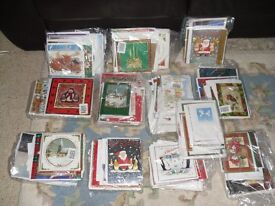 NEW MIXED CHRISTMAS CARDS, VARIOUS TYPES / SIZES, IN BATCHES OF 25 OR 40 CARDS WITH ENVELOPES.