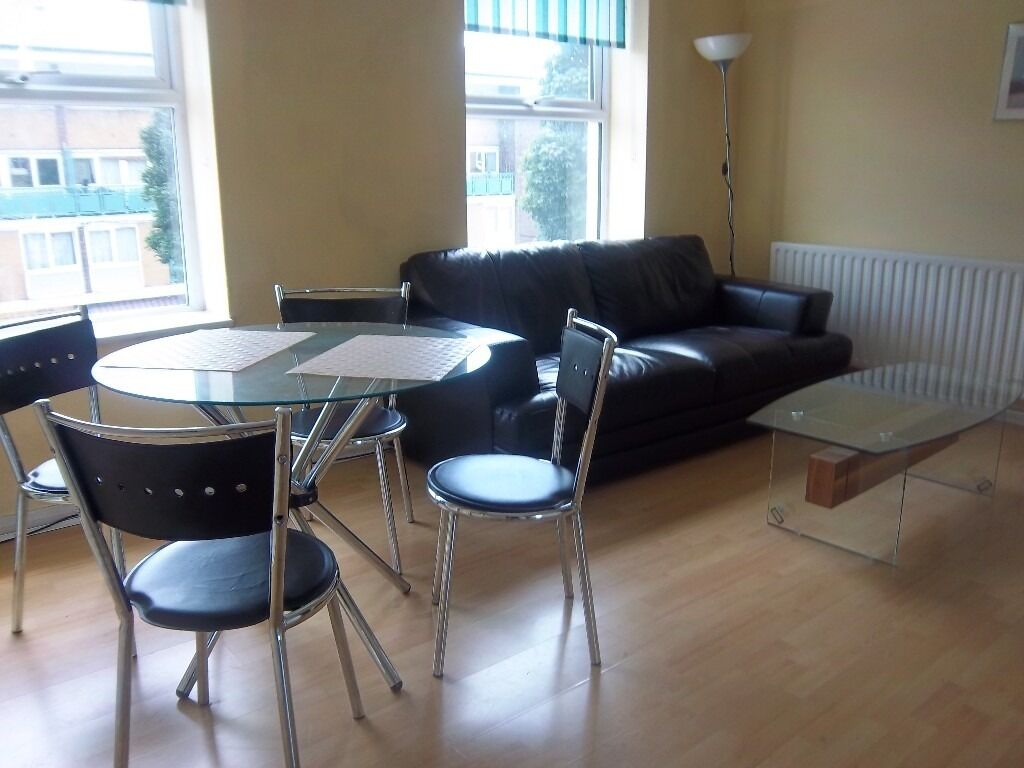 Caledonian Road N1 - Large 2 bed