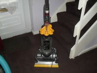 dyson DC33 reconditioned fully tooled with 30 day warranty
