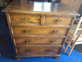 Solid OAK Chest of Drawers - Antique / solid wood