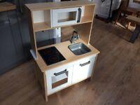 Childresn Kitchen (Ikea DUKTIG)