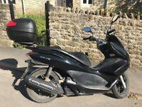 ** Honda PCX 125, 2010, 14k miles - Cheap & Reliable **