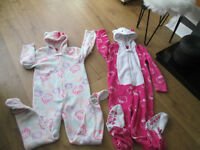 VARIOUS GIRLS ONESIES / PJS X5 - AGE 8-9 - FROM £2.00 - GC