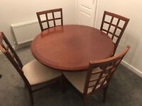 Extendable Solid Wood Dining Table with 4 chairs