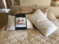 Tempur cloud comfort luxury pillows x 2 new unwanted present
