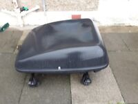 large halford's lockable roof box