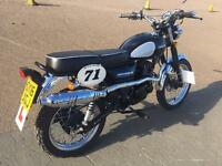 Sinnis Scrambler 125 Lerner legal head turner