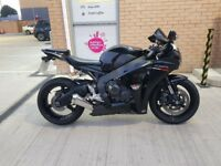 CBR1000RR FIREBLADE 20010 well maitained, full service history, best colour.