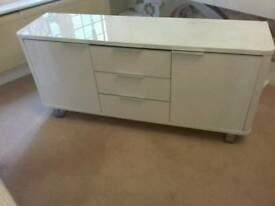 Sideboard in white gloss