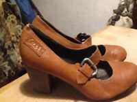 Tan ladies shoes