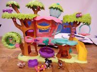 Littlest Pet Shop Tree House Playset PLUS 3 Pets PLUS Accessories