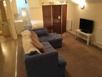 Large studio flat in Clifton Village (Mon-Fri only) - £175pw (incl. all bills)