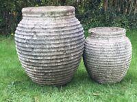 2 large garden plant pots