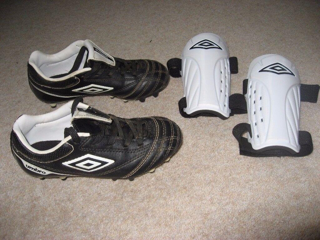 Young Boys Umbro Studded Football Boots & Umbro Shin Pads