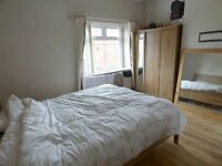 couples welcome!! GREAT OPPORTUNITY IN VAUXHALL ZONE 1 - r)