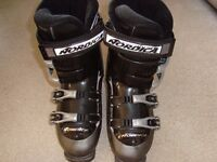 Skiboots, Nordica ladies size 5