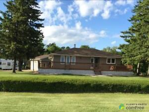 $325,000 - Bungalow for sale in Haywood
