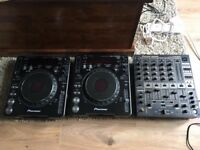 2 x CDJ-1000 mk 3 and DJM 600. Great Condition. Serviced. RRP Over 1k!
