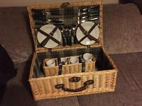Picknic Hamper Basket