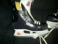 Bauer ice hockey boots size 6 £25