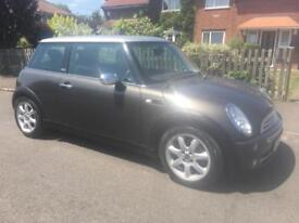 MINI COOPER PARK LANE ( LOW MILEAGE ) LEATHER INTERIOR, 1 YEARS MOT, JUST SERVICED