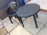 Table ana 4 chairs
