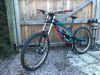 YT Industries tues Pro DH mtb mountain bike rig