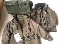 Carp fishing bundle incl. carryall, jackets, scales, buzz bar