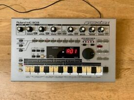Roland MC-303 Groovebox Vintage