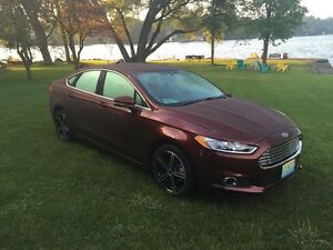 2016 Ford Fusion SE luxury pkg Only 2400 km