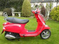 Piaggio Vespa 125S Scooter