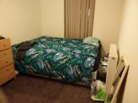 Room for student opposite Overgate Dundee centre : 315£ plus 15+50£ bills tot.