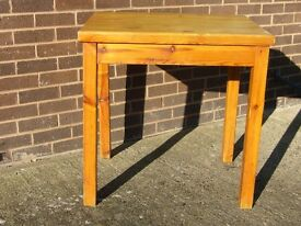 Small pine cafe table