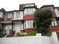 6 BED STUDENT HOUSE IN HOLLINGDEAN AREA, Stanmer Villas (Ref: 147)