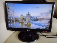 "LG 19"" LCD Widescreen Monitor in Excellent Condition"