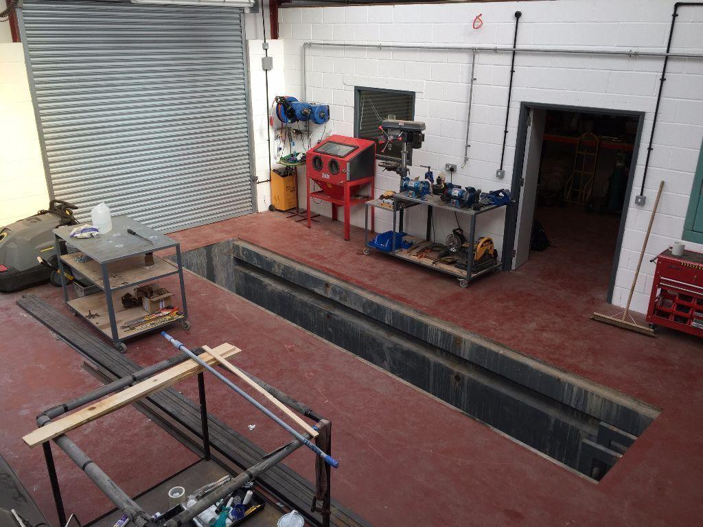 Diy garage servicing pit workshop space self service vehicle repair diy garage servicing pit workshop space self service vehicle repair modification car ramp van lift solutioingenieria Gallery